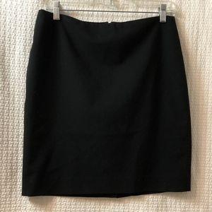 "Banana Republic 19"" Black Skirt - size 6  - Lined"